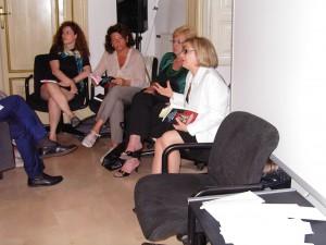 Intervengono: la giornalista Anna Maria Chiariello, l'attrice Vivien Valli. Modera Armida Filippelli